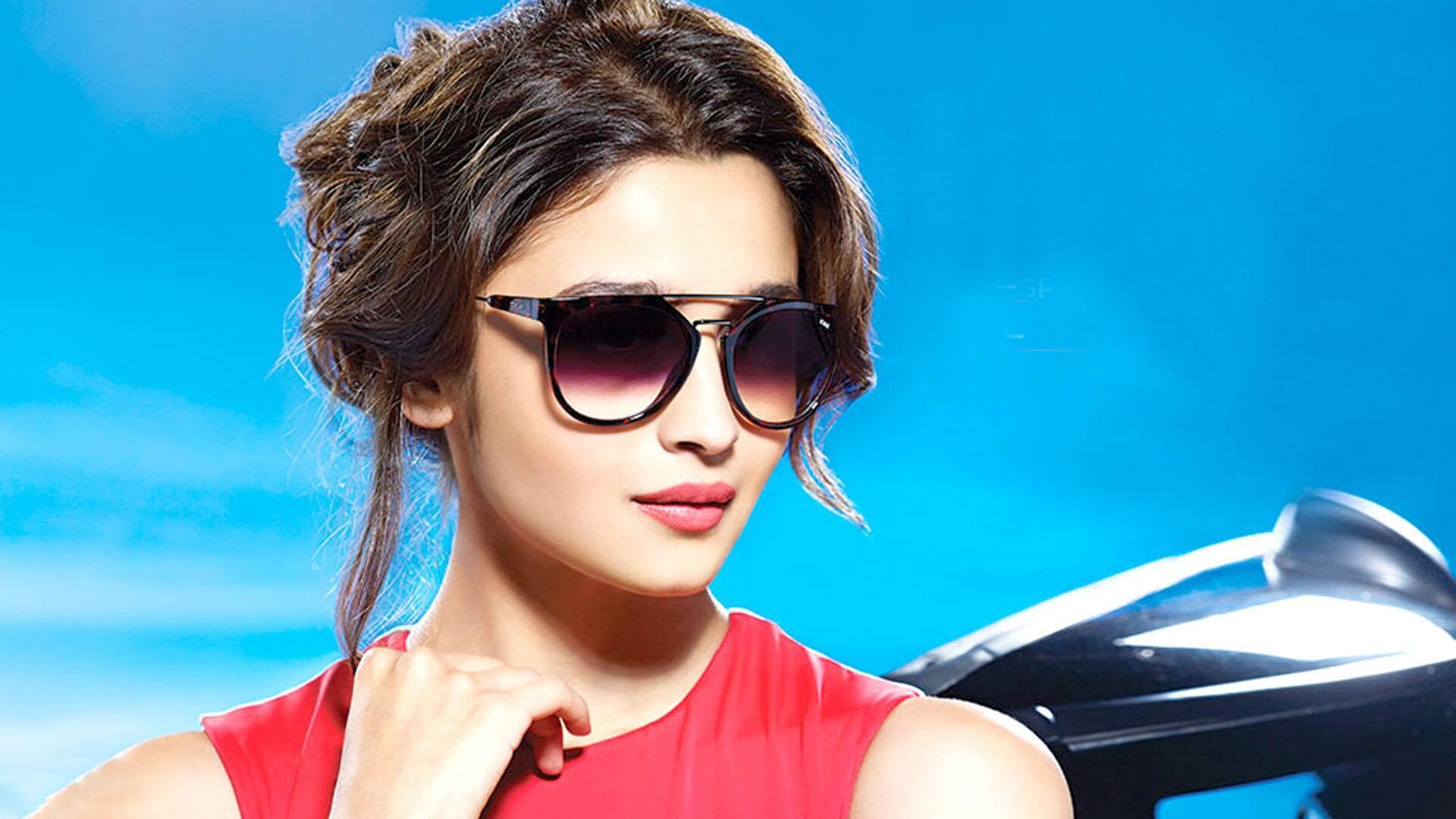 Alia Bhatt Wiki, Age, Weight, Height, Family, Career, Boyfriend, Father, Sister, Caste, Biography, Latest Movie