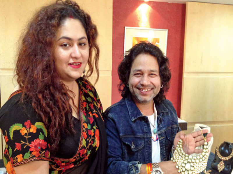 Kailash Kher Family, wife