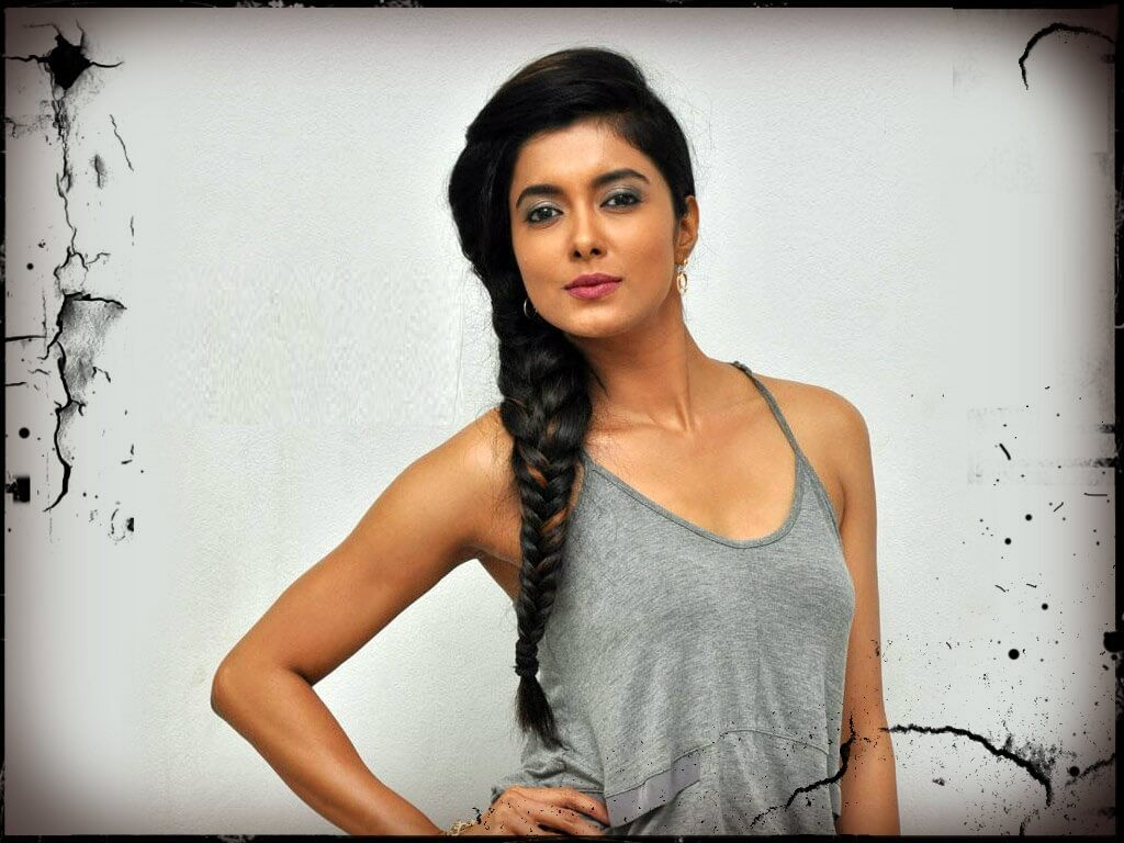 Richa Soni Wiki, Age, Height, Weight, Career, Caste, Family, Boyfriend, Biography & More