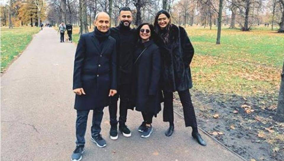 anand ahuja Family & Caste
