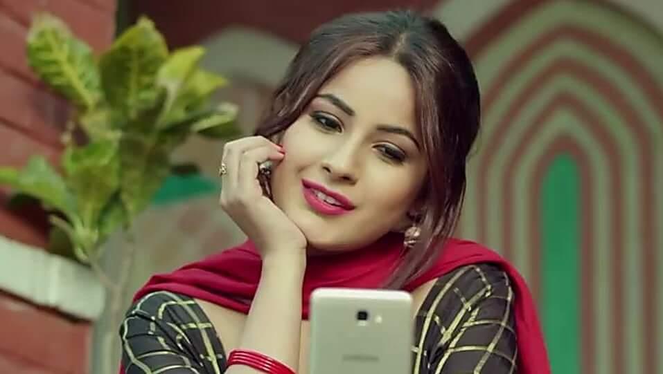 Shehnaz Kaur Gill Wiki, Age, Height, Weight, Family, Caste, Boyfriend, Biography & Images