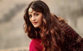 Nupur Sanon Wiki, Age, Height, Weight, Family, Caste, Boyfriend, Biography & Images