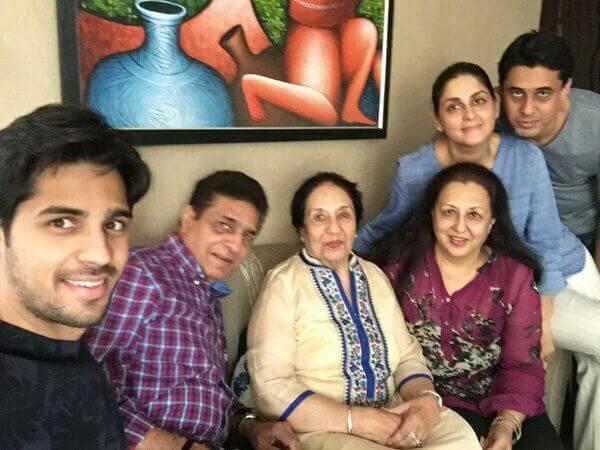 Sidharth Malhotra Family & Caste
