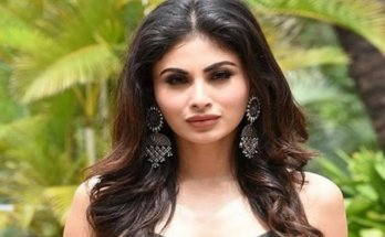 Mouni Roy Wiki, Height, Weight, Age, Family, Boyfriend, Wife, Caste, Images & More